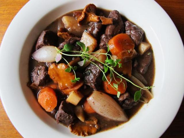 Что приготовить из лосятины: лучшие рецепты блюд из мяса и лосиной губы