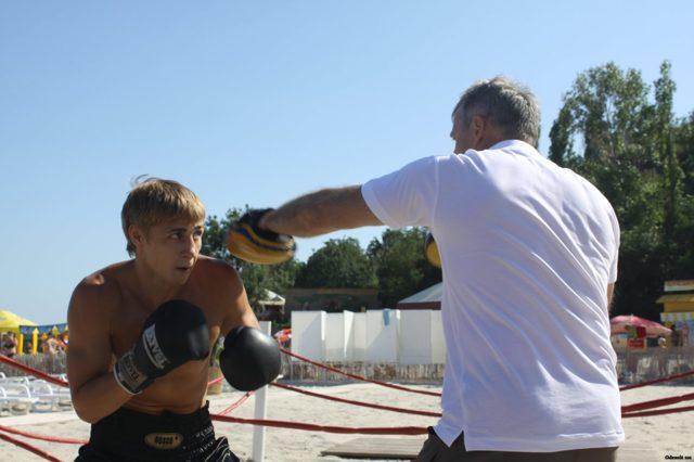 Приёмы рукопашного боя: видео уроки, как правильно драться, уроки самообороны, драться как спецназ, каратэ, кикбоксинг